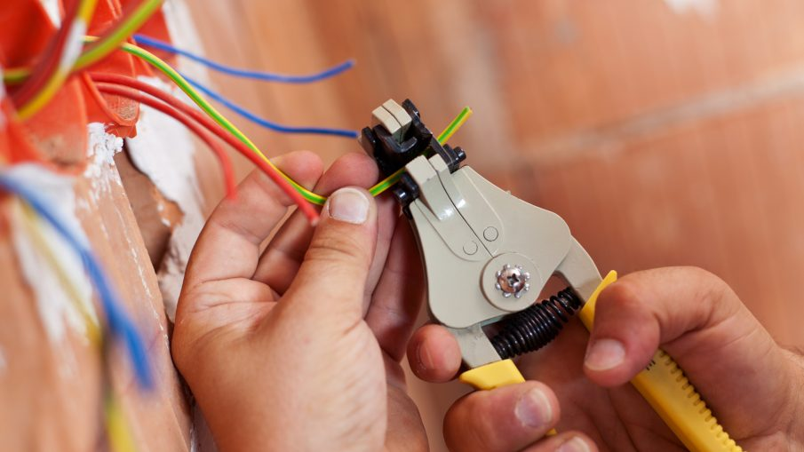 Common Electrical Issues That You Should Leave To The Electrician