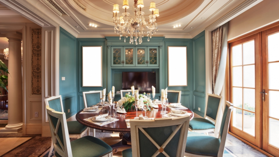 Dining Suites Fit For A King!