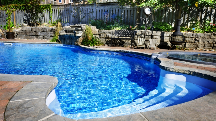 How to Make Your Backyard Swimming Pool Project More Affordable