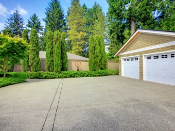 5 Home Improvement Fixes to Boost Curb Appeal